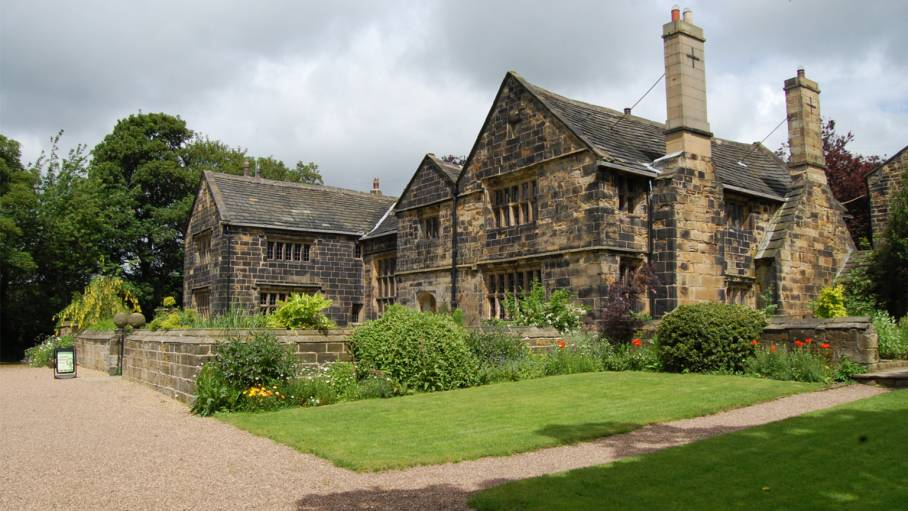 Oakwell Hall and Country Park, Huddersfield